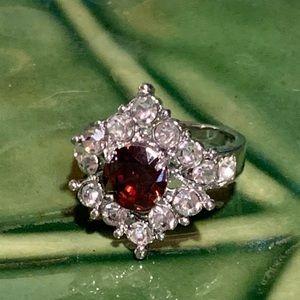 💥5/$25💥 Garnett & Crystal Silver Ring Sz 8